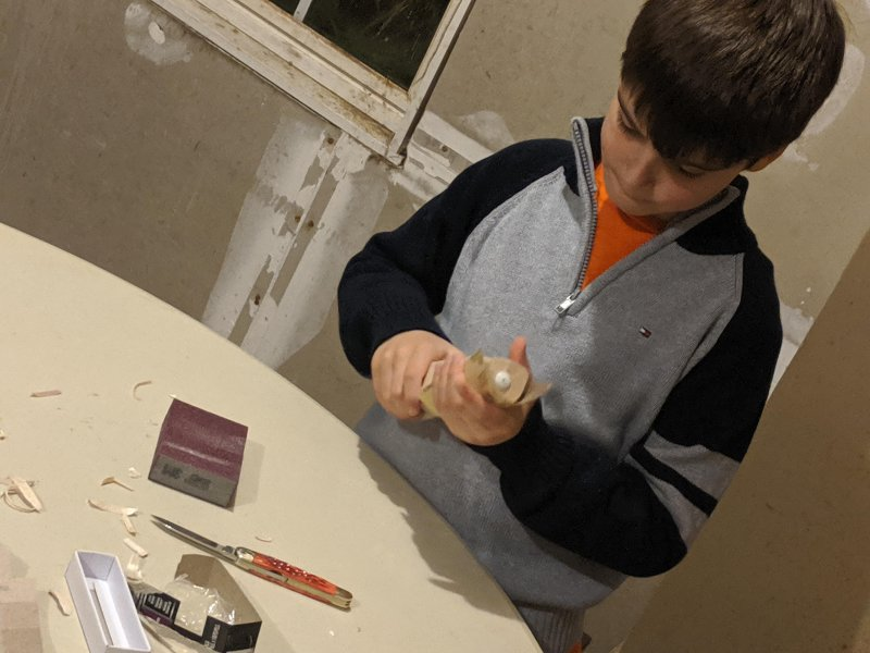 #LetThemPlayWithKnives Kids carving their rockets #EastHaddam #Pack22