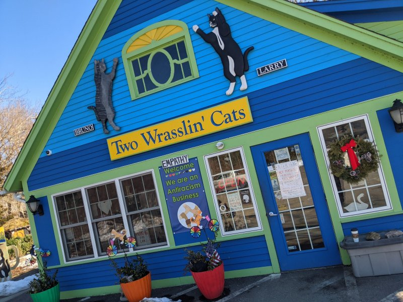 I love Two Wrasslin' Cats #EastHaddams Little Coffee and Ice Cream Shop