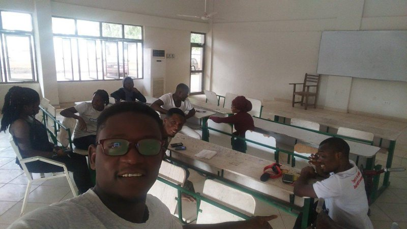 @sadike25 and the @goifoundation Getting ready for  @MozOpenLeaders #IndieWeb and #OER #Ghana program  Dr James Abugri, Patron of UDS Navrongo Wiki Club and Setting Up event